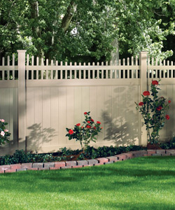 Willis Vinyl Fence